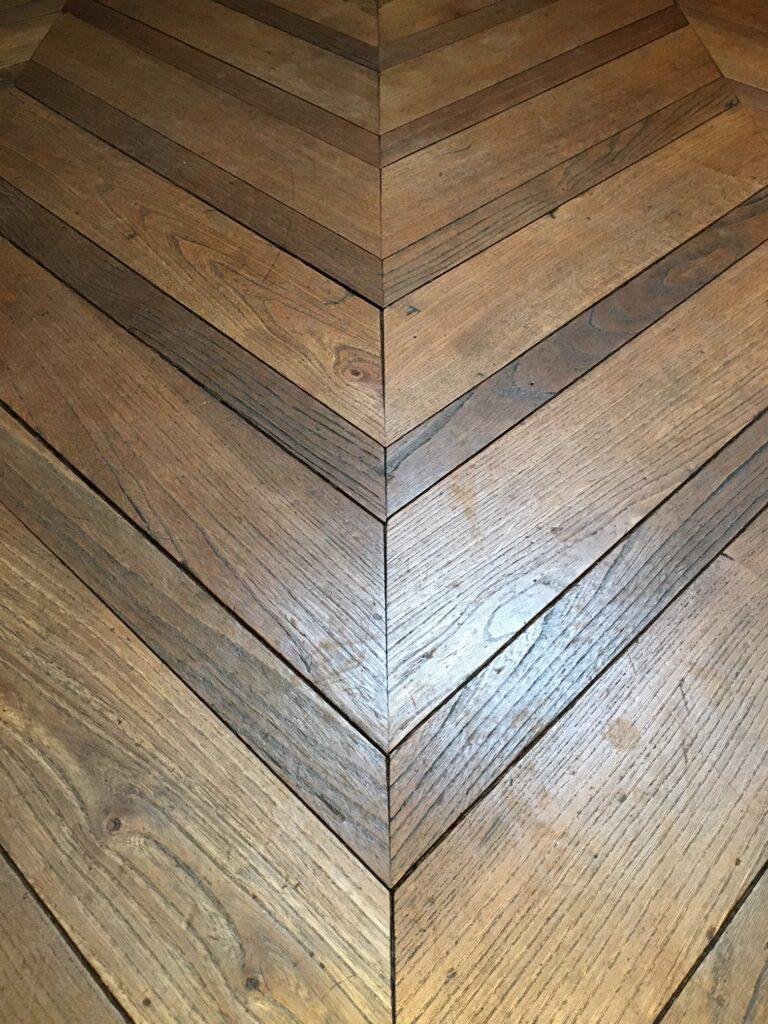 double chevron varying width french oak detail